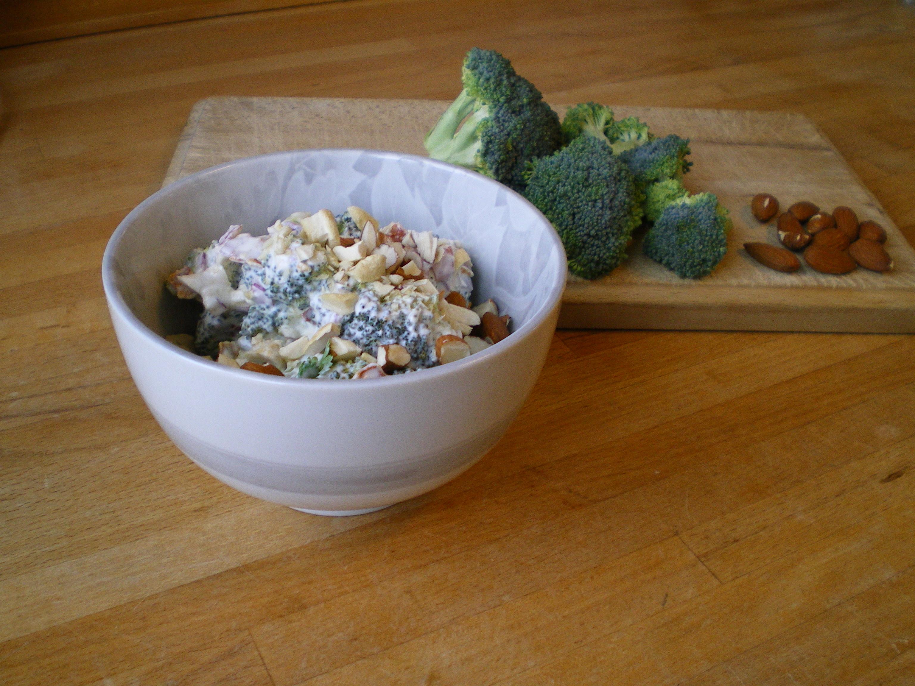 MUFA-venlig broccolisalat