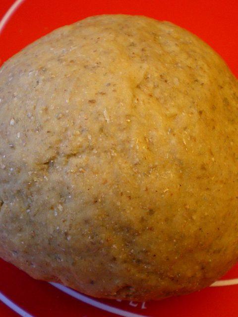 Hjemmelavet pasta med hvide hvede og rugmel