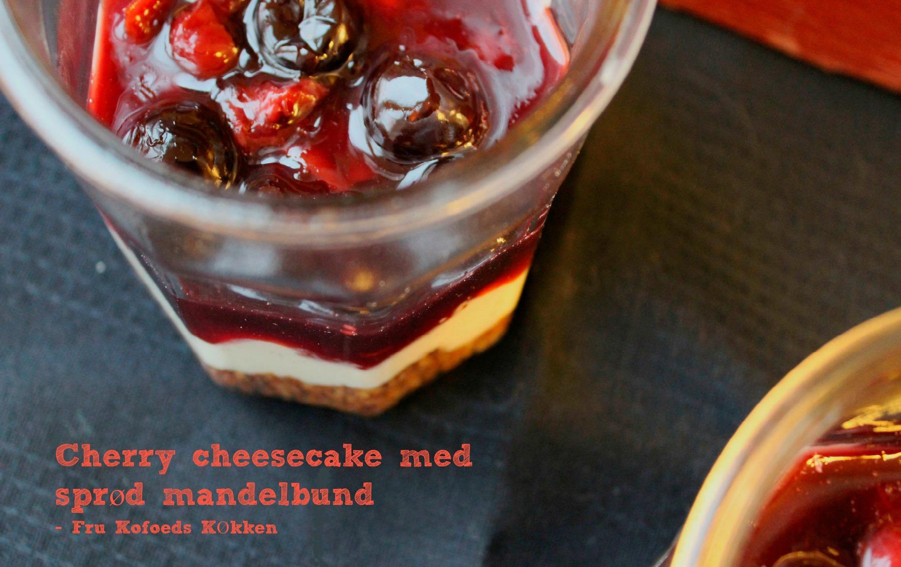 Cherry cheesecake med sprød mandelbund
