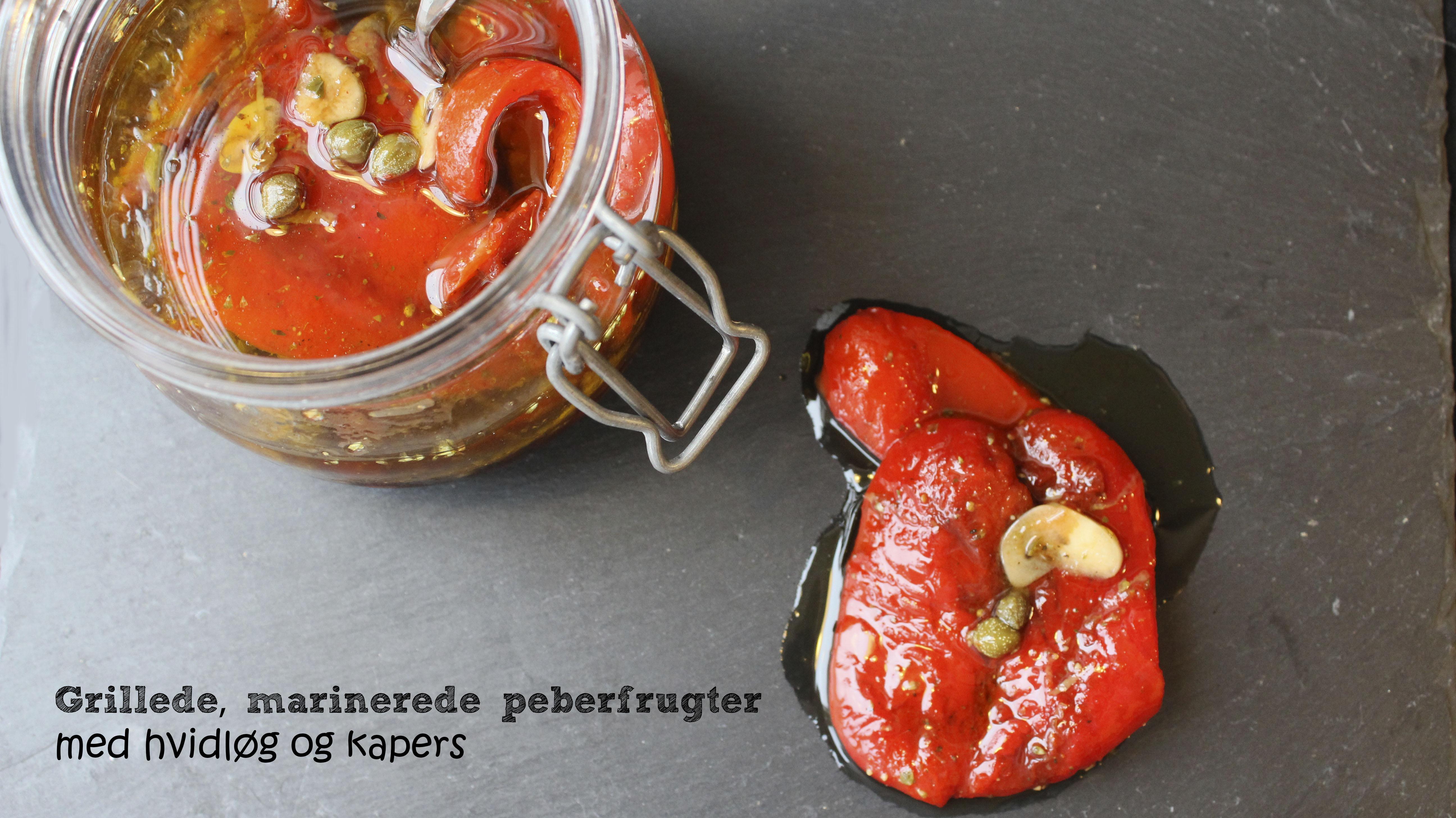 Grillede, marinerede peberfrugter med hvidløg og kapers