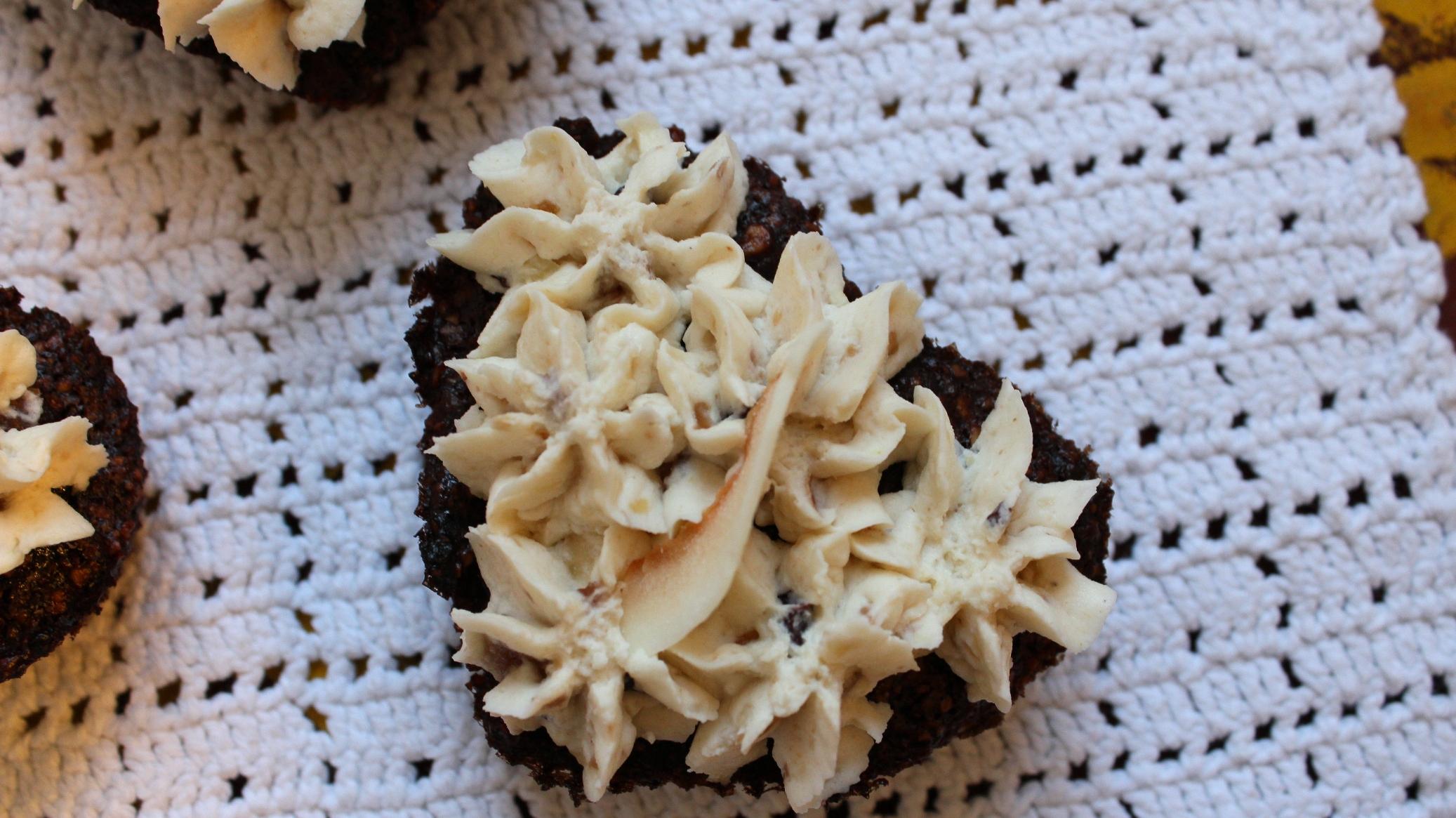 LCHF chokolademuffins med cashewnødder, kokos og ingefær