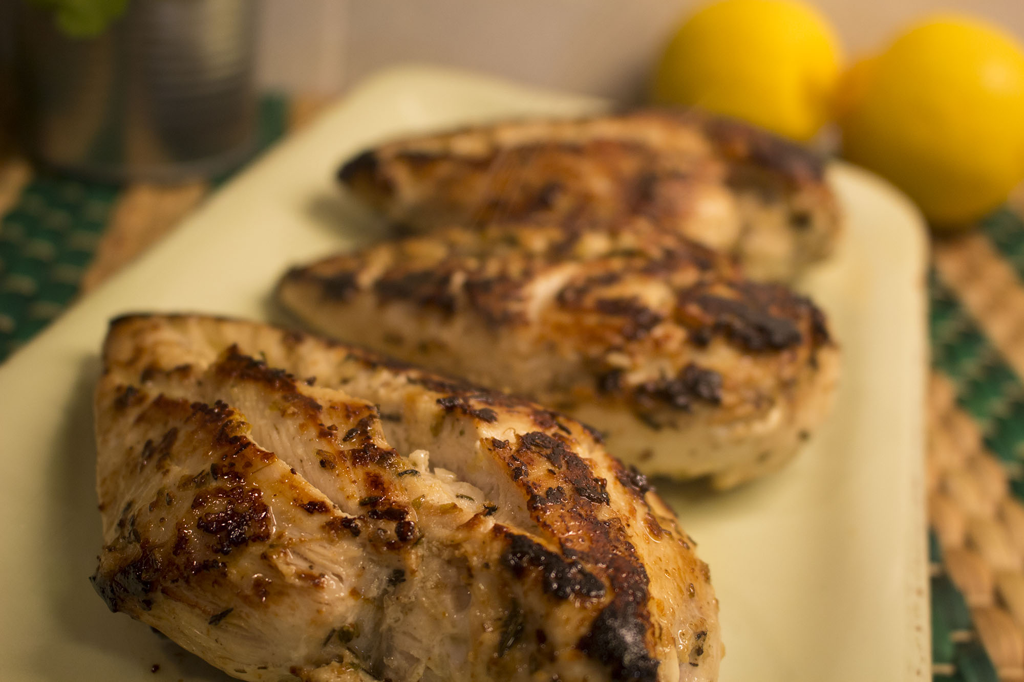 Citronmarinerede kyllingefileter