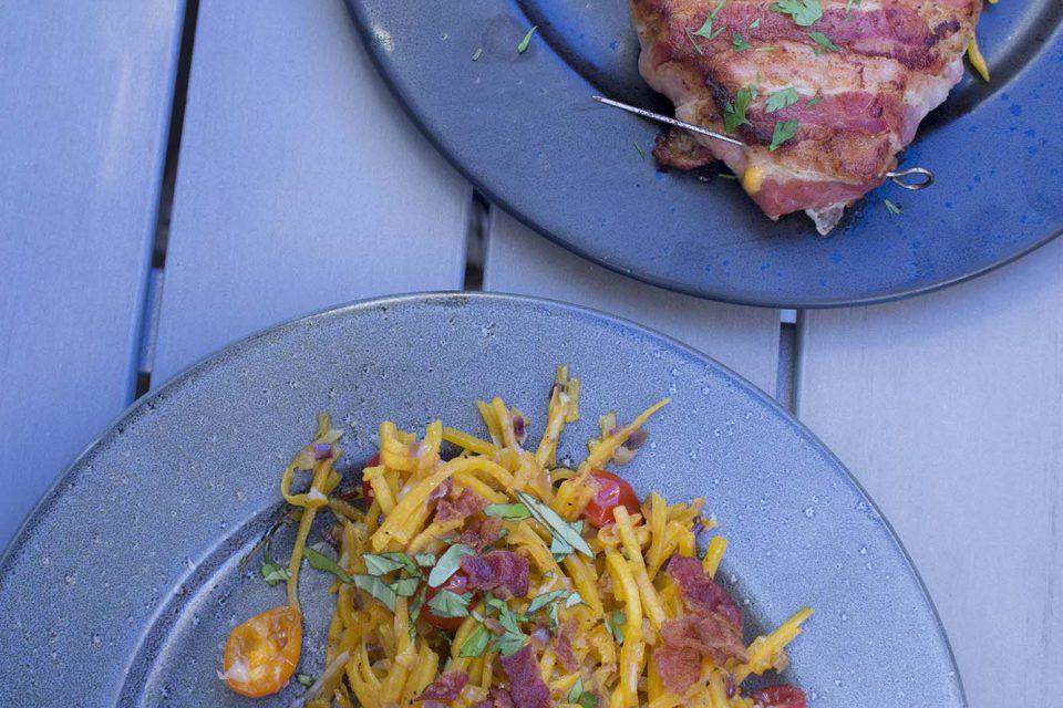 Kyllingetrekanter og græskarpasta