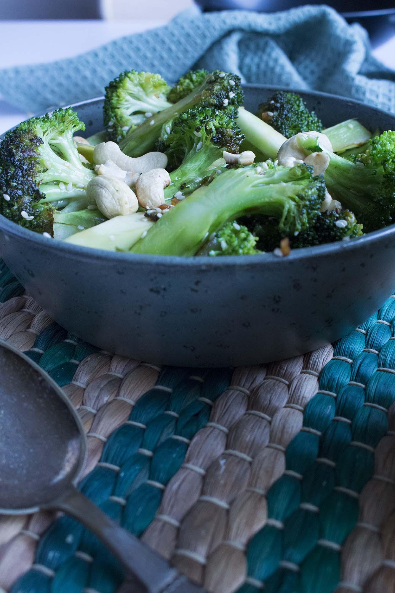 Sesamstegt broccoli