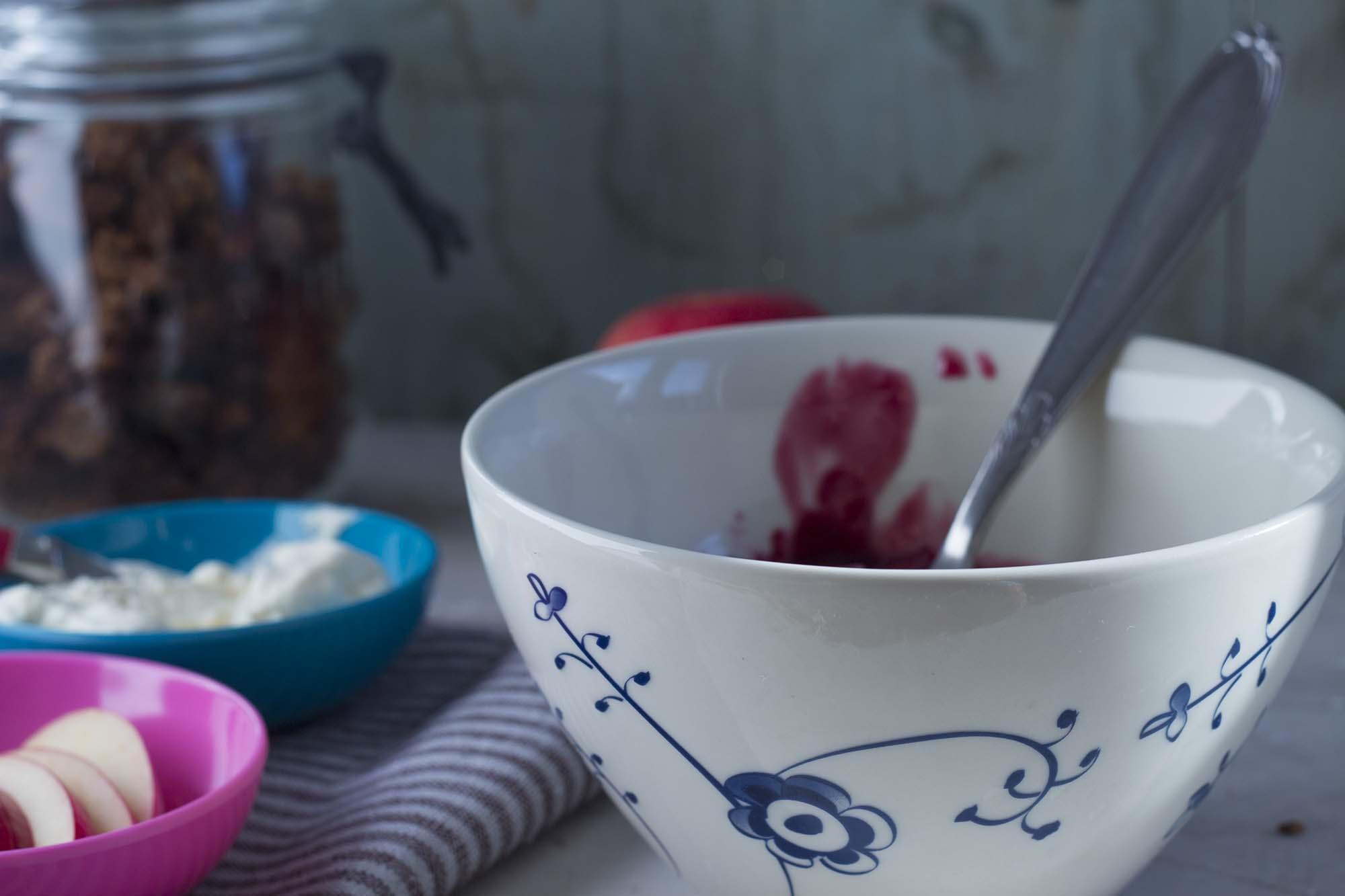 Hyldebærsuppe med toppings