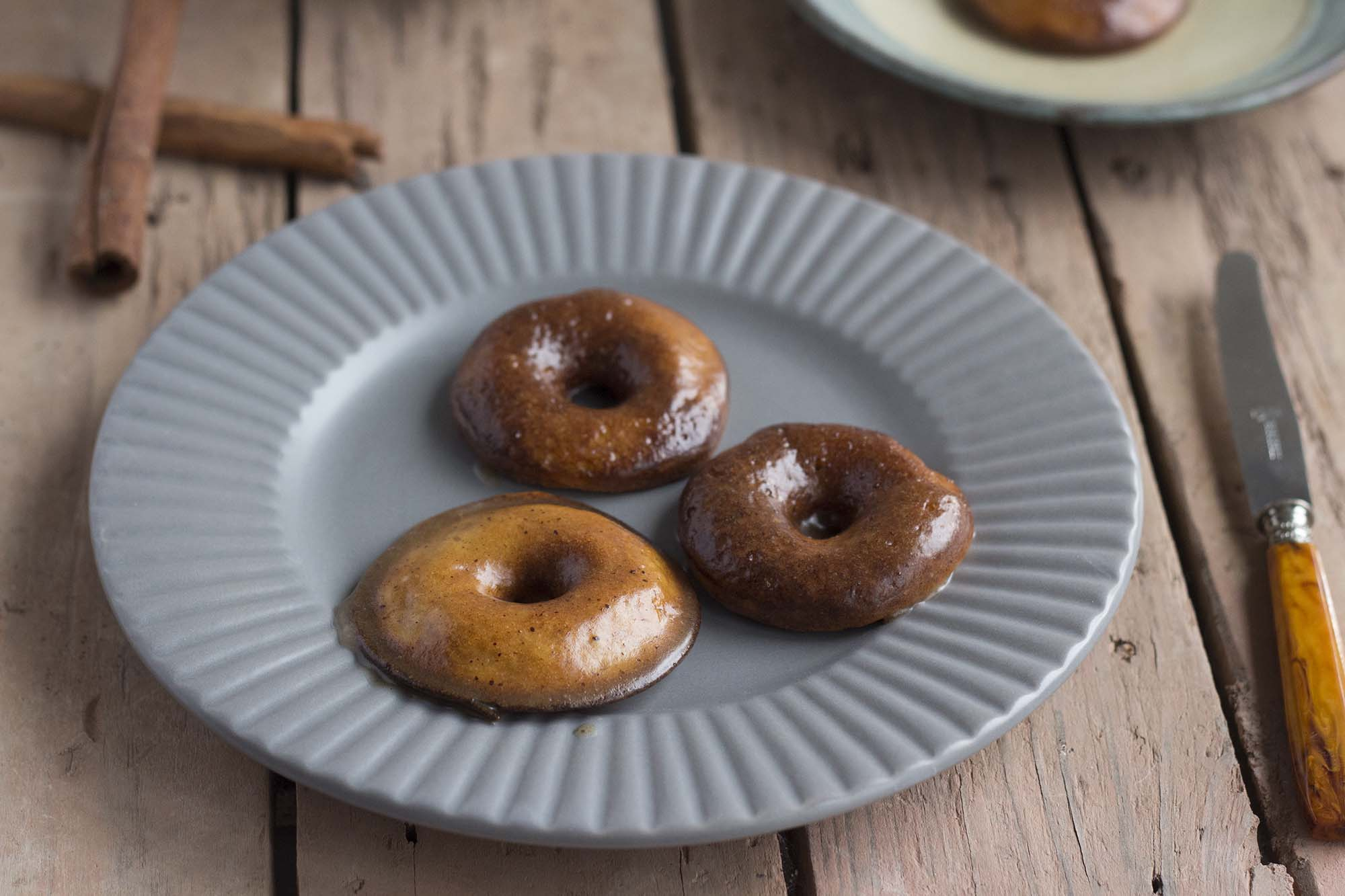 Kanelsnegle-doughnuts