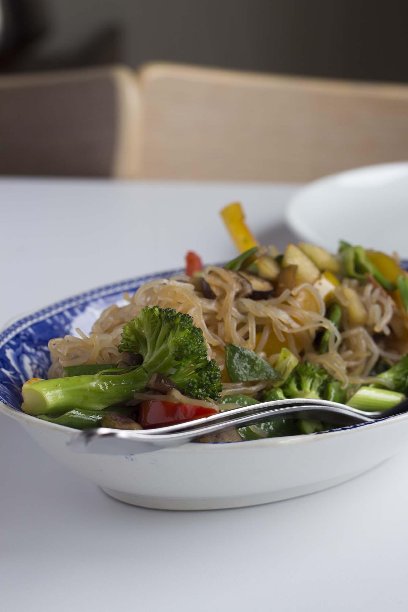 Lynsvitsede grøntsager og shirataki