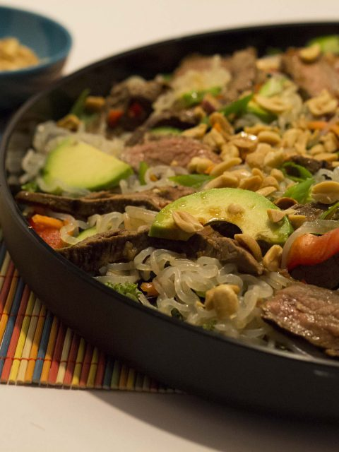 Thai steak-salat